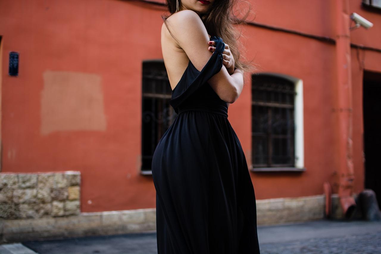clothes-1845375_1280