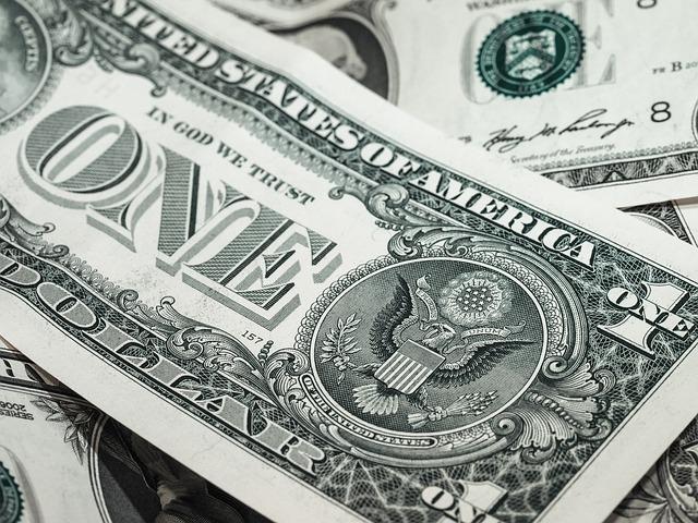 papírová dolarovka